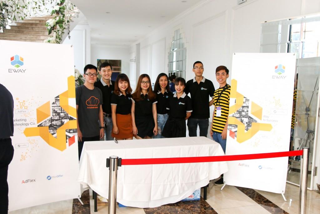 EWAY Event team tham dự chương trình